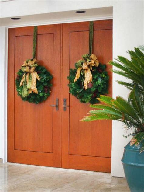 beautiful christmas wreaths  garlands winter door