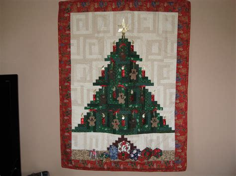 quilt pattern christmas tree christmas tree quilt with teddy bears log cabin pattern
