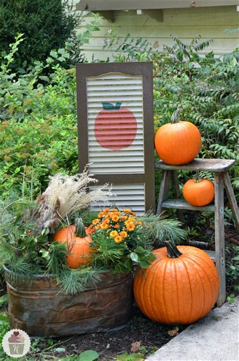 diy outdoor fall decorations fall outdoor decorating diy painted shutter hoosier
