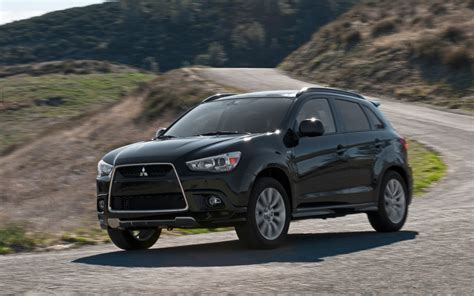 mitsubishi sports car 2014 2014 mitsubishi outlander sport information and photos