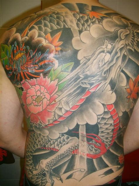 dragon tattoos on back back japanese designs best