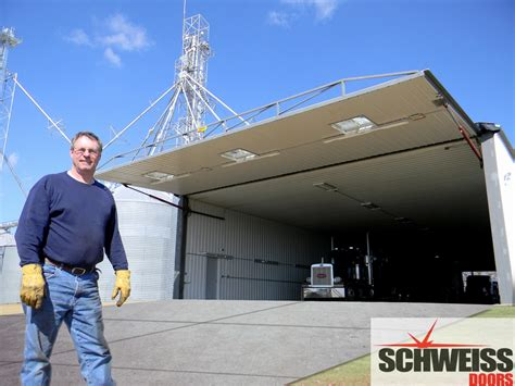 Machine Shed Doors by Farmers And Ranchers Are Using Schweiss Doors 1
