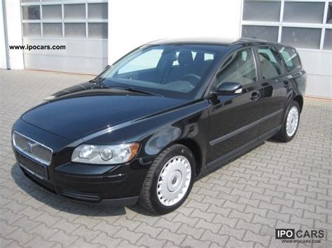 2006 volvo v50 2 0d kinetic dpf car photo and specs