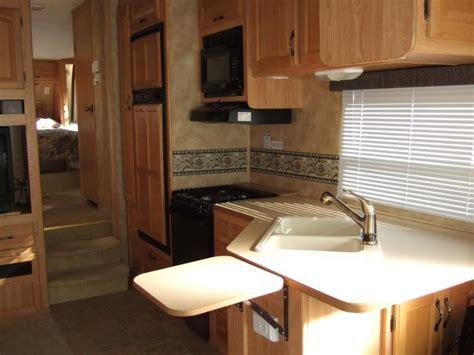 Glass Kitchen Laredo Tx by Recreational Vehicles Fifth Wheel Trailers 2005 Keystone