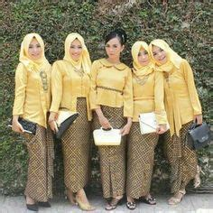 Batik Jumputan Warna Kuning Kunyit bridesmaid with kebaya inspirasi kebaya vani