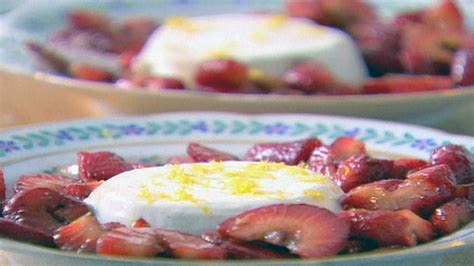 panna cotta with balsamic strawberries recipe ina garten panna cotta with balsamic strawberries recipes food