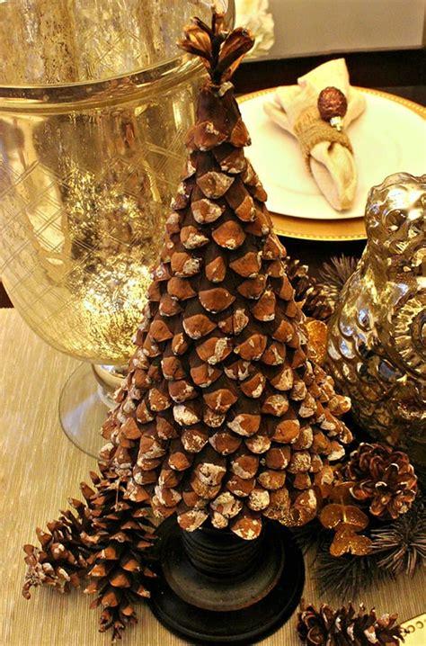 weihnachtlich dekorieren mit diy weihnachtsbaum aus zapfen
