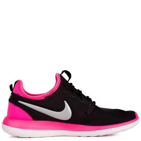 black pink nike photoshoot roshe two gs black silver pink