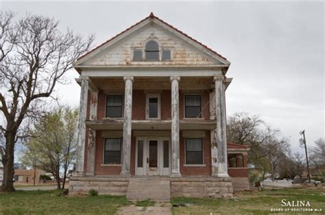 cheap mansions for sale 2016 crumbling mansions for 100 000