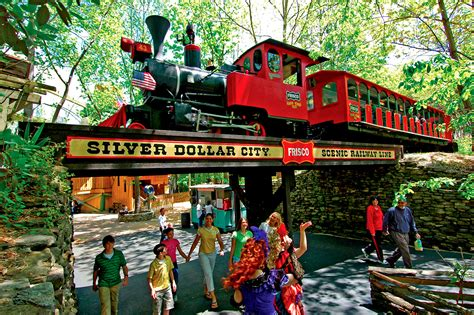 theme hotel branson mo 3 fall festivals you ll love at branson s silver dollar