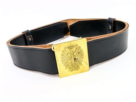 leather belt w brass buckle