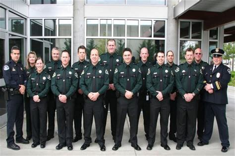 Commissioned Security Officer by Transit Swears In 13 Security Officers Metro Magazine