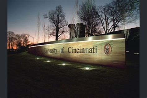 Of Cincinnati Mba by Els центр Cincinnati Oh Studyusa