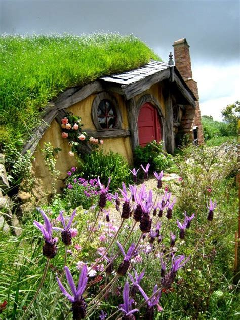hobbit houses new zealand most beautiful storybook cottage homes smiuchin