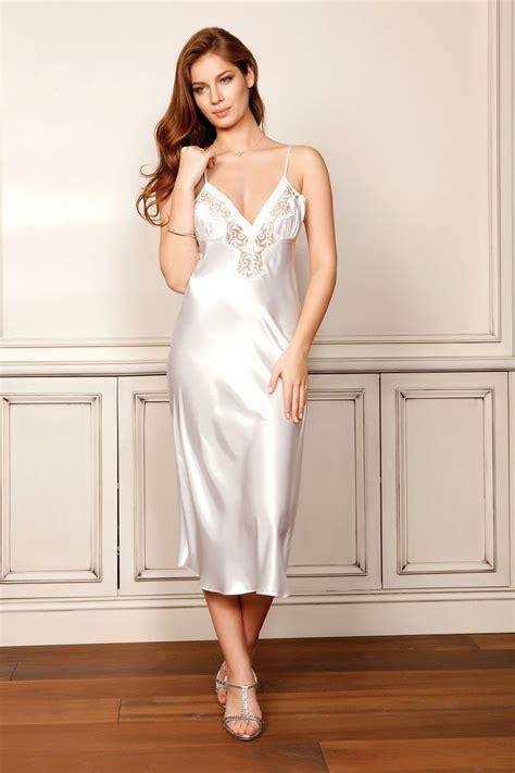 lingerie de satin 523 best images about silky slips on pinterest satin
