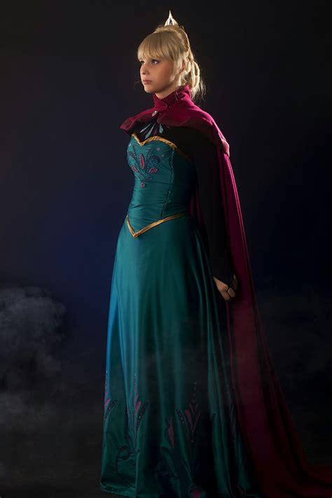 elsa s 17 best images about elsa s coronation outfit from frozen