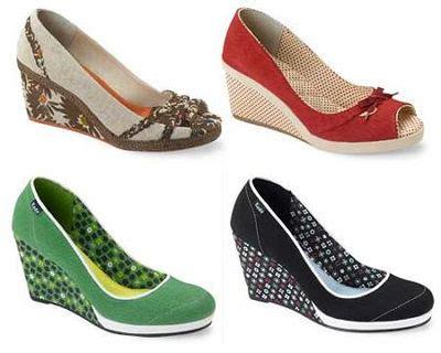 Sandal Wanita Platform Wedges Ankle Dn12 wedge shoes white25352631 300x300wedgeshoes