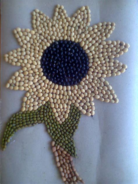 membuat karya seni kolase seni mozaik pada pendidikan anak usia dini