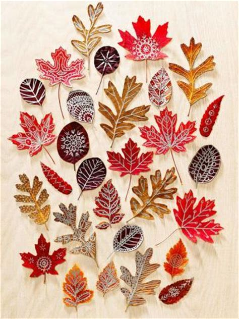 30 cool ways to use autumn leaves for fall home d 233 cor 18 fabulous fall diy projects using autumn leaves