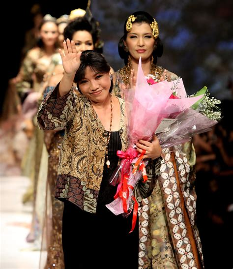 Promo Set Baju Pendek 3 In 1 Baby Motif Cutes jakarta fashion week 2009 10 day 3 zimbio