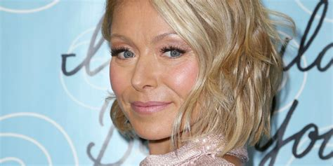 hair color kelly ripa uses kelly ripa dyes hair blue kelly ripa s new turquoise