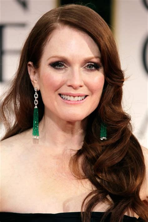 dors julianne moore have natural red hair 7 killer hairstyles for redheads that no man can resist