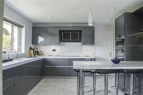 High Gloss Grey Kitchen Cabinets by Grey High Gloss Kitchens Modern Kitchen Designs And