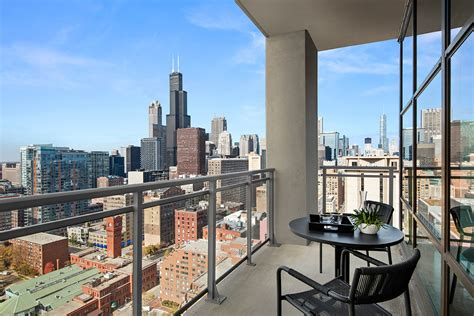 appartments chicago photo gallery high rise apartment rentals in downtown