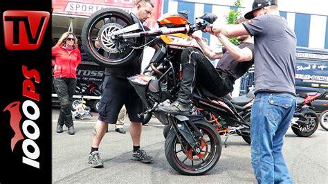 Videos Von Motorrad by Video How To Wheelie Die Wheelieschule Von Dirk Manderbach