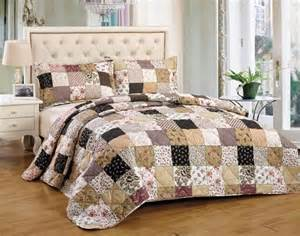 White Quilted Bedspread King by Luxury King Size White Quilted Embroidered Bedspread Throw
