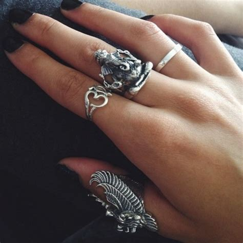 jewels ring uhm ohm silver