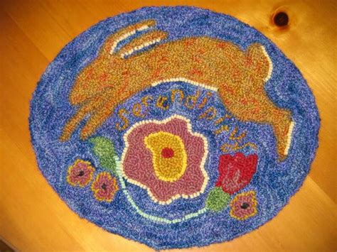 How To Hook Rugs With Yarn by Rug Hooking With Yarn Rugs Ideas