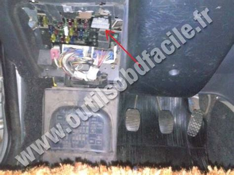 Car Diagnostic Port Obd2 Connector Location In Fiat Palio 1996 Outils