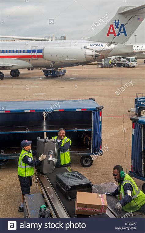 american airline baggage policy 100 american baggage fees airlines collect 6