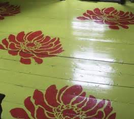 Pretty Painted Floors With Flower Designs Stenciled Floor And Rug Inspiration 171 Stencil Stories
