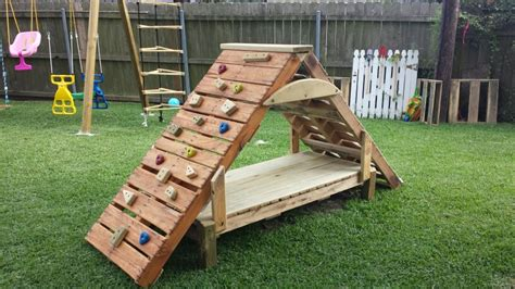 climbing structures backyard pallet climbing structure kid stuff pinterest