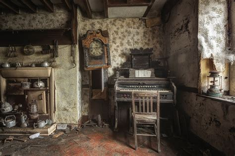 room  house waste  abandonment hd wallpaper
