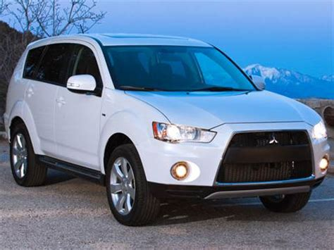 blue book value used cars 2009 mitsubishi outlander interior lighting 2013 mitsubishi outlander pricing ratings reviews kelley blue book