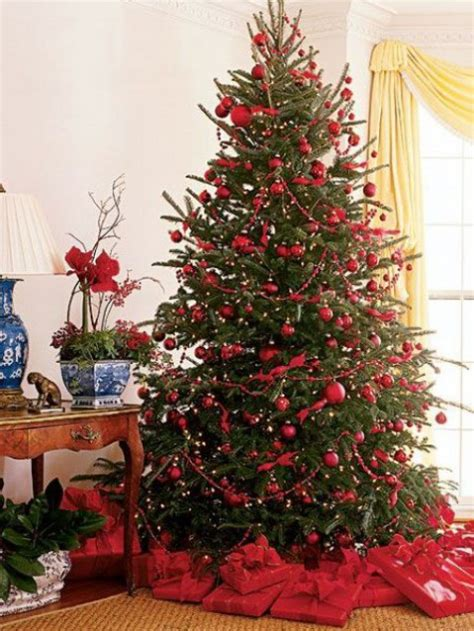 red christmas tree red and green christmas home decor ideas comfydwelling com
