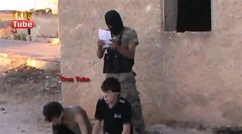 imagenes fuertes en siria v 237 deo terroristas ejecutan a dos ni 241 os en alepo siria
