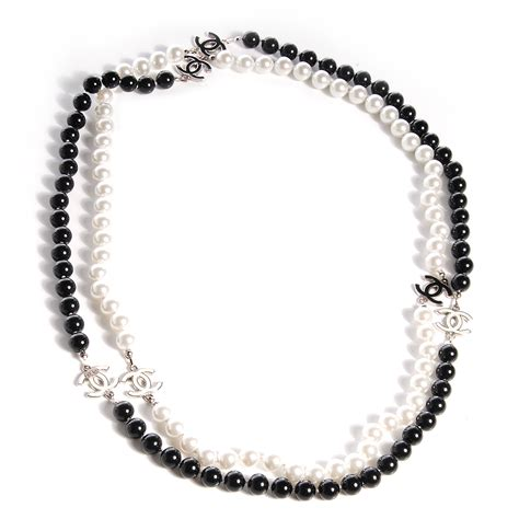 black and white bead necklace chanel pearl cc beaded necklace black white 76698
