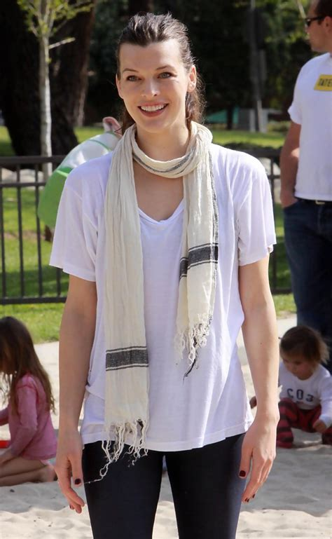 milla jovovich zimbio milla jovovich in milla jovovich and daughter ever at the