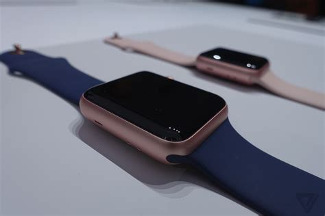 Apple Series 2 Alum Gold With Midnigth Blue 38m up with the new apple series 2 waterproof