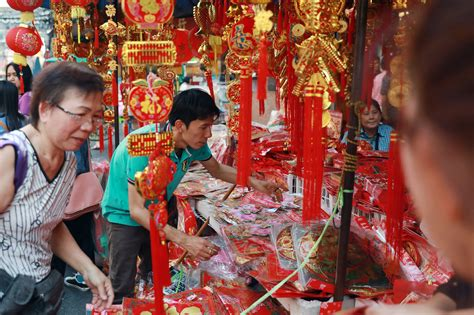 visiting thailand during new year thailand expects 300 000 tourists from china during lunar