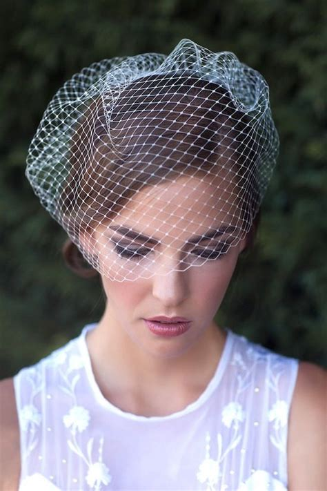 Handmade Birdcage Veil - wedding wisdom choosing the birdcage veil by