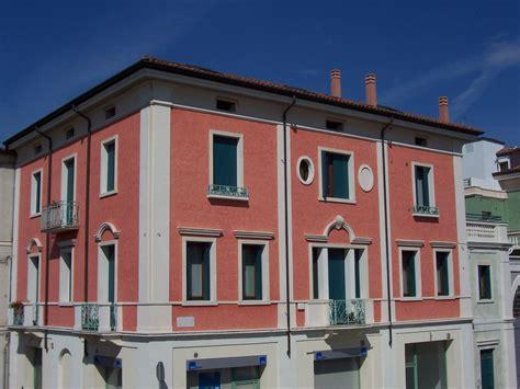 cornici esterne per finestre cornici decorative in polistirolo eps per facciate