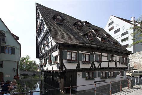 schiefes haus отели в германии самый кривой и самый узкий отель в мире