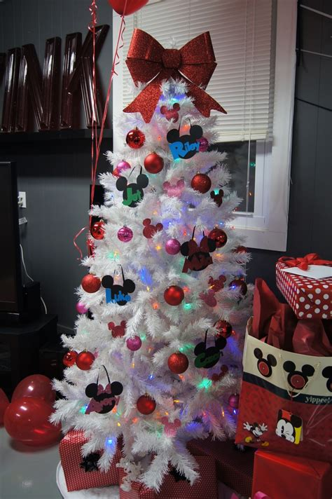 minnie mouse tree decorations my pins pinterest
