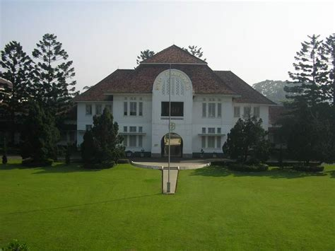 Bio Bandung gedung bio farma l bandung l heritage office