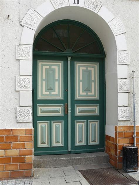 Cool Front Doors | 20 cool front door designs shelterness